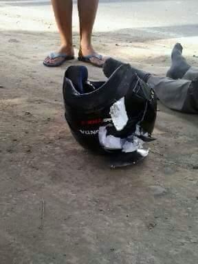 Ngeri Helm TRX Hancur Setelah Kecelakaan 3 Motor Di Blitar, Coba Kalau Tidak SNI Dan Nggak Pake Helm 01 Pertamax7.com