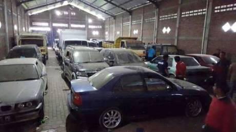 Polres Ponorogo Bersama Polres Megetan Ungkap Jaringan Curanmor, 168 Motor 54 Mobil Dan 8 Truk Diamankan Di Sebuah Gudang 07 Pertamax7.com