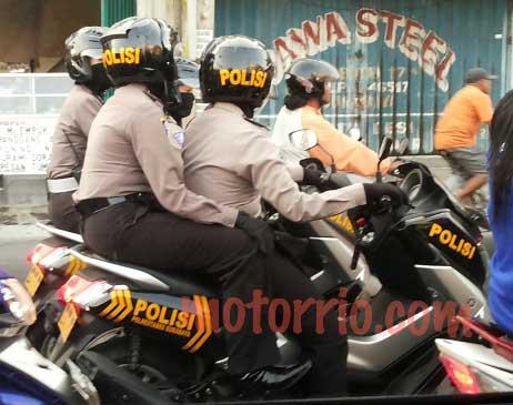 Polwan-Surabaya-Patroli-Pakai-Yamaha-NMax-Modifikasi-Khusus-Polisi,-Sedap-pertamax7.com