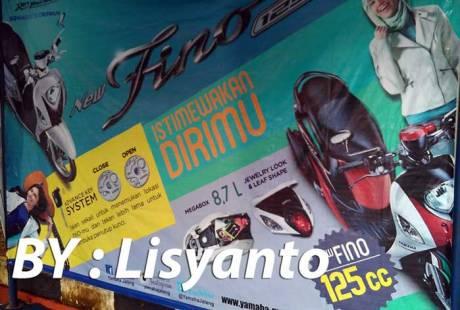 Spanduk-Besar-Yamaha-Mio-Fino-125-Blue-Core-Terpampang-Di-Dealer,-Fitur-Pencari-Lokasi-Motor-Jadi-Fitur-..-Awas-Was-Was-pertamax7.com-