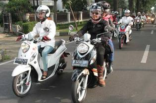 Yamaha Indonesia Ajak Media Dan Komunitas City Touring Fashionable New Fino 125 Blue Core Semarakkan Bandung 05 Pertamax7.com