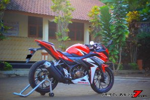 All New Honda CBR150R 2016 Warna Merah Racing Red 79 Pertamax7.com