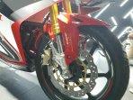 Suspensi deoan upside down All New Honda CBR250RR Merah Pertamax7.com